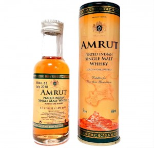 AMRUT PEATED INDIAN SINGLE MALT WHISKY 0,05L + PUSZKA